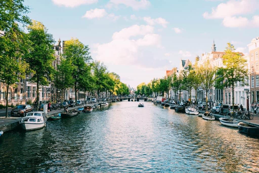 Tips voor het beleggen in woningen - Amsterdam kanaal