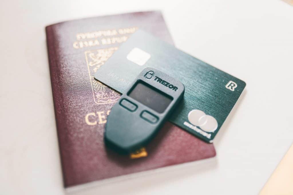 Veilig Crypto Opslaan - Trezor Hardware Wallet